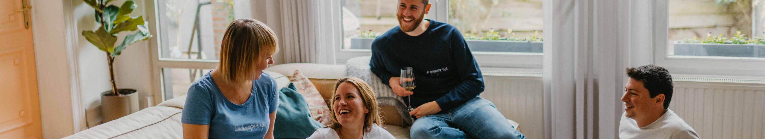 Anonymous Albert T-shirt & Sweater in sofa